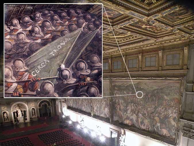 """Salone dei 500 in Palazzo Vecchio, un dettaglio dell'affresco del Vasari con la scritta """"Cerca Troca""""."""