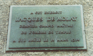 Death-site_plaque_of_Jaques_de_Molay