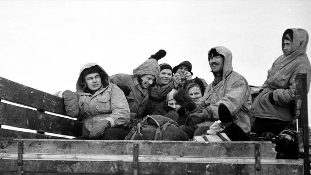 Il gruppo Dyatlov mentre si prepara per la sua ultima notte, il 2 Febbraio1959.